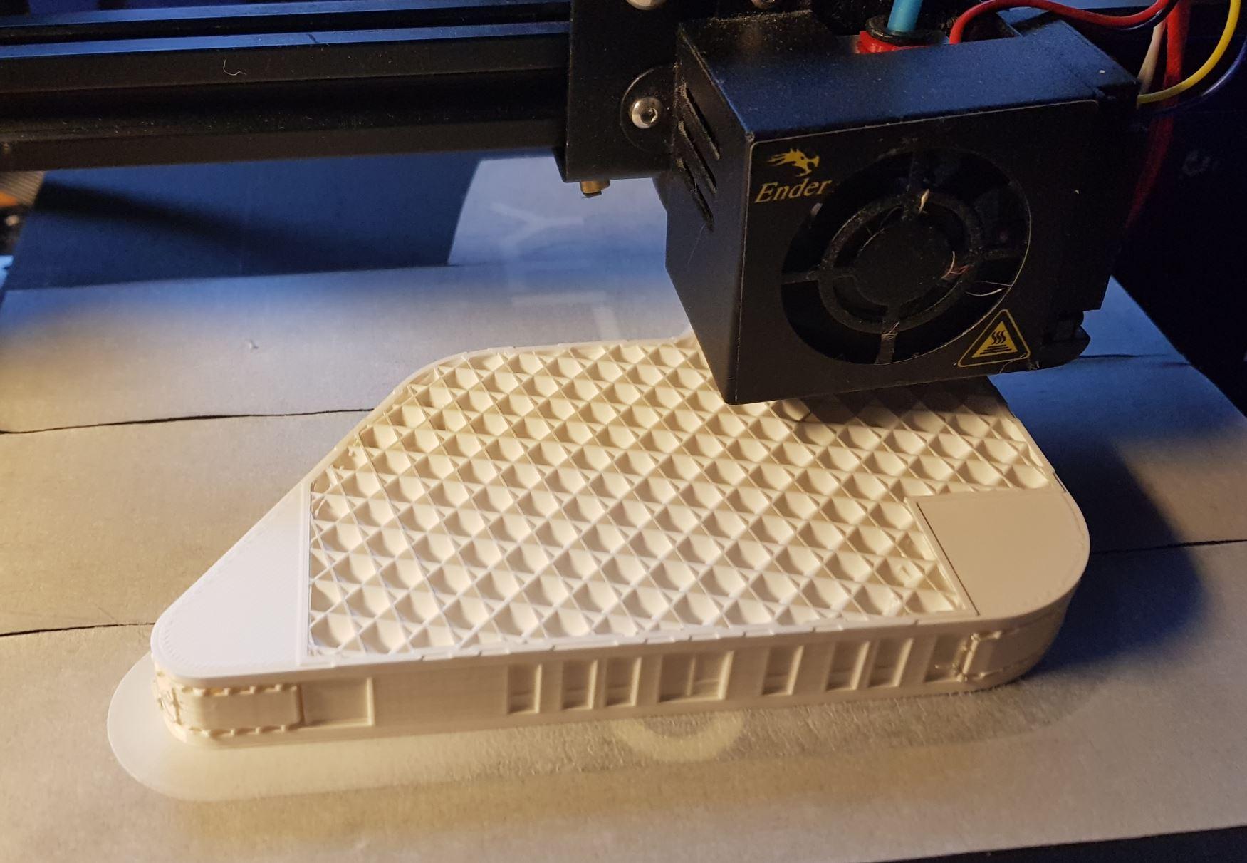Onderweg. 1 gebouw (van de verbinding) kost ongeveer 40 uur om te printen